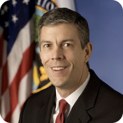 Arne Duncan, the former US Secretary of Education, is part of the schoolhouse.world board.